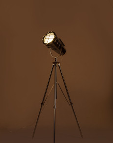 Chrome Long cinema tripod light